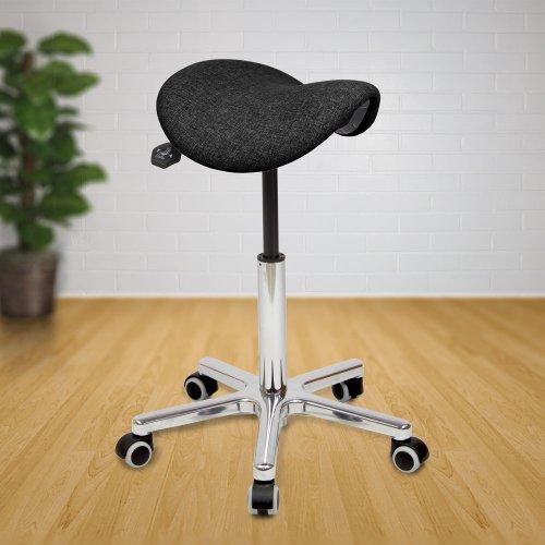 Satulatuoli Ergonea Nautur ergonominen kapea kotimainen luonnollisista materiaaleista valmistettu satulatuoli pyörillä ammattikäyttöön