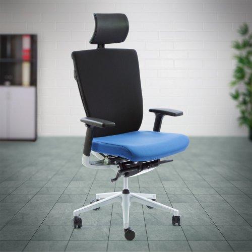 Työtuoli hinta tarjous Ergonea Fabric keinumekanismilla on hyvä työtuoli, nyt edullinen hinta tarjous laadukas ja ergonominen toimistotuoli hinta tarjous toimistoon, hyvät toimistotuolit paras ergonomia hyvä työtuoli selälle ergonomisin sininen kaunis